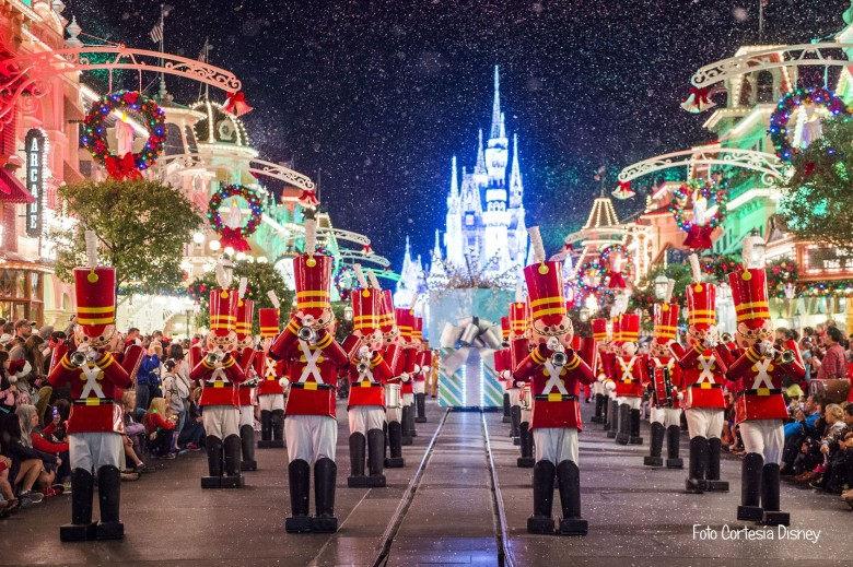 parade magic kingdom navidad.jpg
